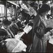 Stanley Kubrick ha fotografato come si comunicava di più senza smartphones. Ieri come oggi.